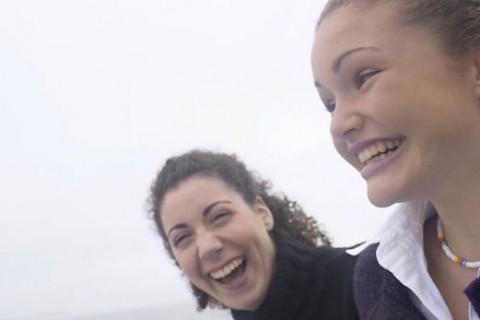 Za potrebe selfija možete unajmiti prijatelje