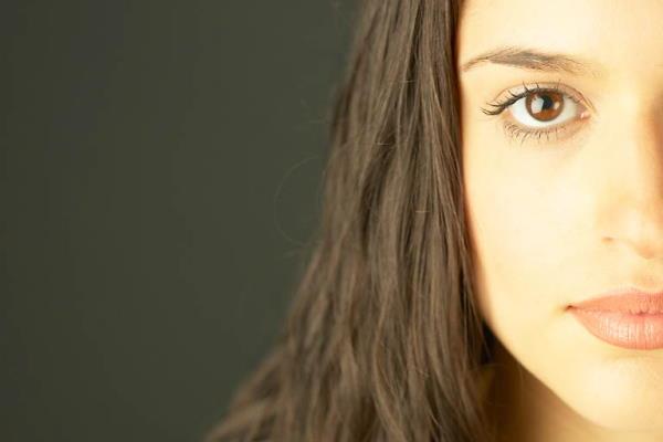 8 uobičajenih razloga akni kod odraslih osoba
