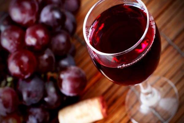 Crno vino u borbi protiv starenja