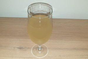 Napitak od đumbira, limuna i meda za detoksikaciju i mršavljenje