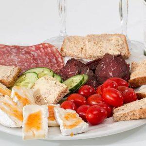 Koliko kalorija ima šunka, salama, pršut, zimska, slanina, buđola