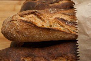 Kruh kalorije – kalorije prema vrstama kruha? Da li kruh deblja?