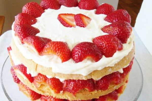 20 ideja za tortu od jagoda