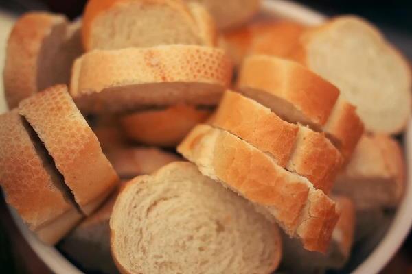 Kruh i debljanje – što je istina, a što zabluda